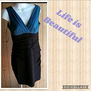 Dresses & Skirts - Body con dres